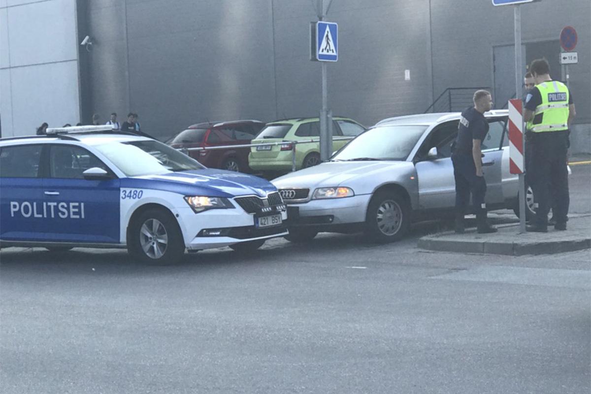 Ka politsei eksib liikluses