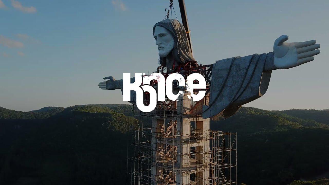 Vauu! Brasiilia Encantado linna lähedale püstitati uus 43 meetrine Jeesuse kuju