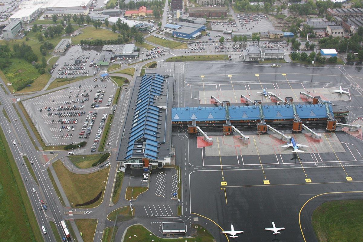 Eestist lennuliinide avamise piirang pikeneb kuni augusti lõpuni