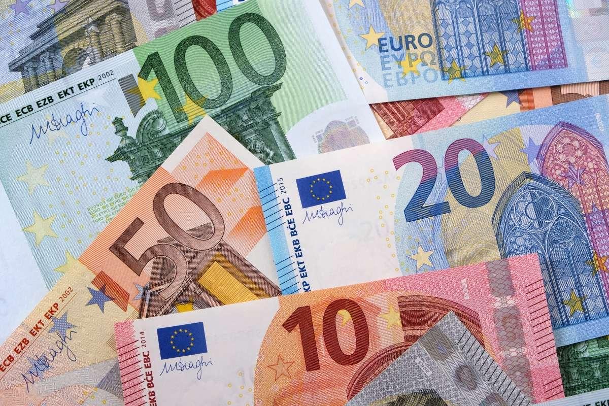 Riik otsustas investoritelt laenata miljardi asemel 1.5 miljardit