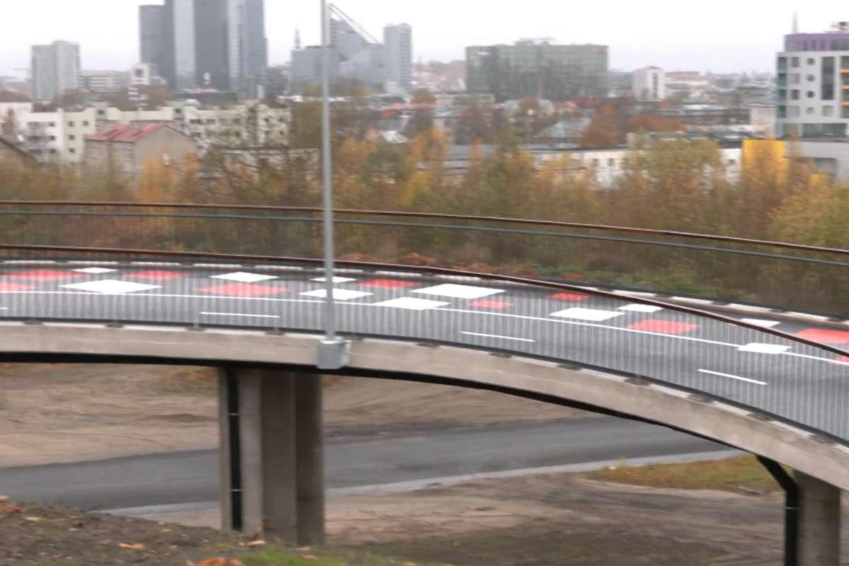Tallinnas avati kesklinna ja Lasnamäe piiril uus kergliiklussild
