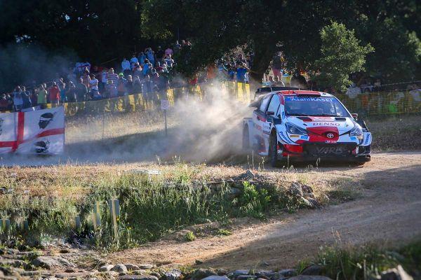 Sardiinia ralli laupäevasel kolmandal katsel kaksikvõit Toyotadele, kiireim Evans