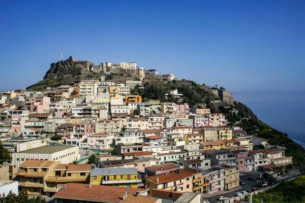 Sardiinia rallil jääb pühapäeval sõita veel neli katset, viimasena kavas punktikatse