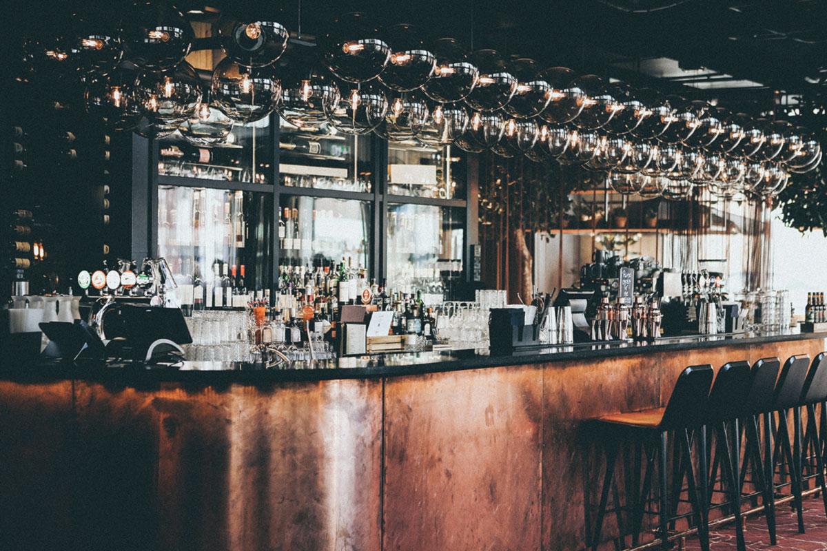 Правительство вводит с 25 сентября общегосударственное ограничение на продажу алкоголя