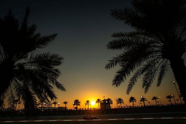 Abu Dhabis stardib esikohalt Hamilton