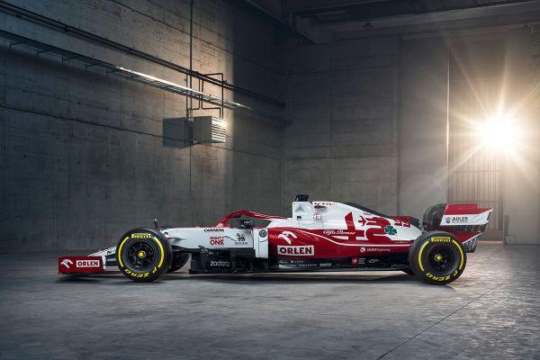 Alfa Romeo Racing C41 2021. aasta vormel-1 masina esmaesitluse pildid ja video
