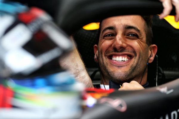 Daniel Ricciardo liitub Renault tiimiga