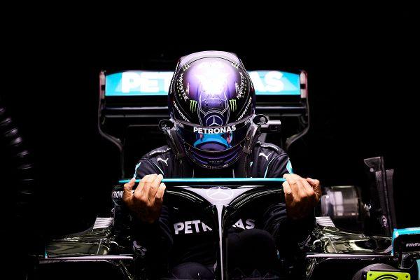 Hamilton võitis ülipõnevaks kujunenud Bahreini GP