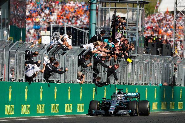 Hamiltonile järjekordne võit Ungarist
