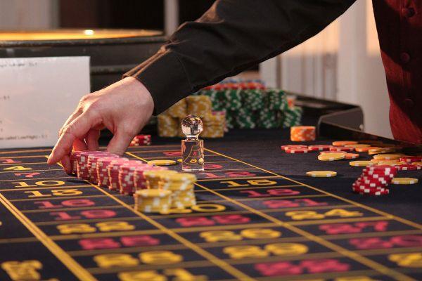 Kuidas tehnoloogia on muutnud hasartmängu- ja kasiinotööstust?