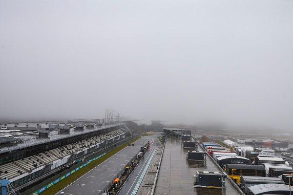 Vihma tõttu jäid vormel-1 Eifeili GP reedesed vabatreeningud