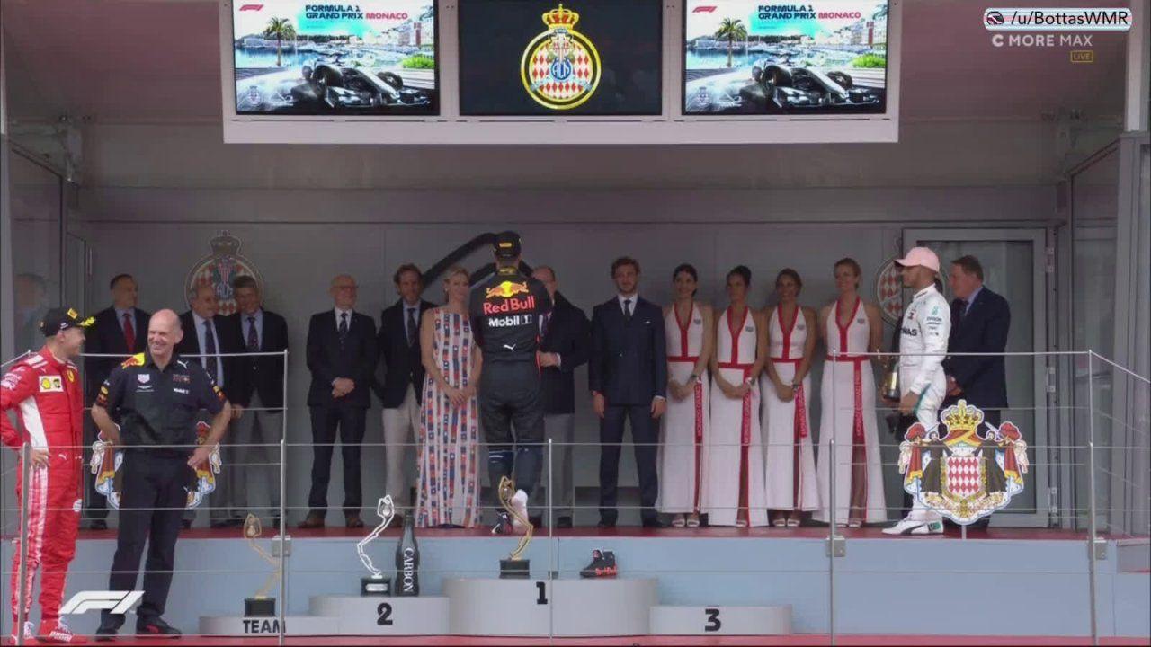 Monaco GP 2018 - poodium, Riccardo pakub šampust kuninglikule perele