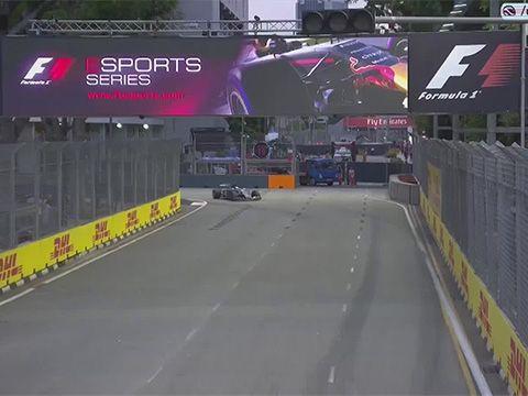 Singapuri GP 2017 - kolmas vabatreening, Ericssoni seinapõrge