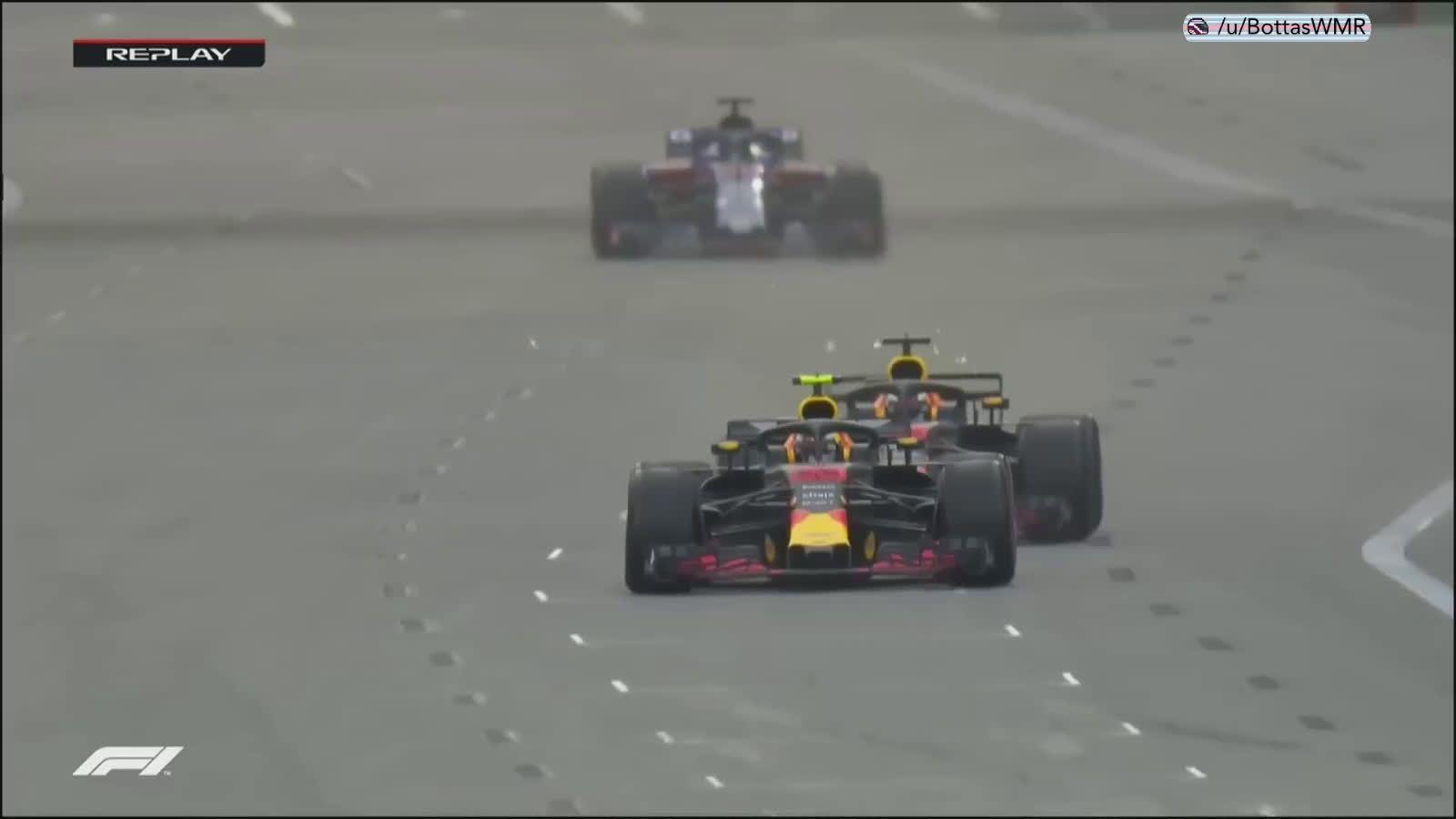 Aserbaidžaani GP 2018 - sõit, Ricciardo mõõdasõit Verstappenist